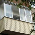 Популярные материалы для отделки балкона
