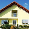 Выбираем краску для фасада жилого дома: основные критерии выбора и палитра фасада деревянного дома