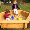 Деревянная песочница для детей + фото