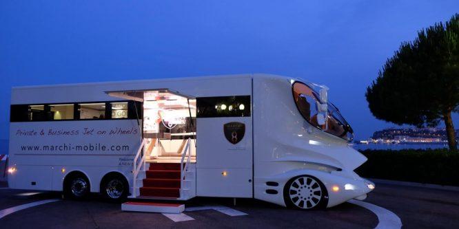 Интересно, какие самые дорогие дома на колесах в мире?