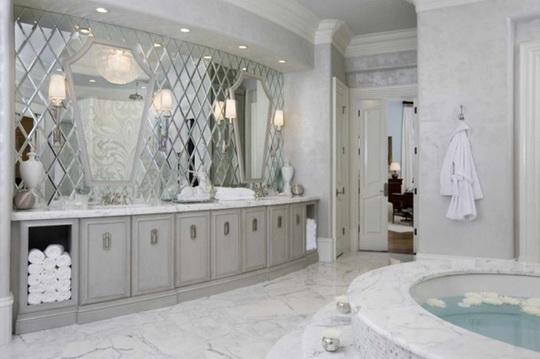 20 лучших интерьеров с зеркальной плиткой. Фото