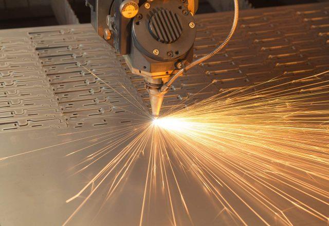 Лазерная обработка и резка металла