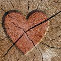 Как отремонтировать трещины на деревянных балках