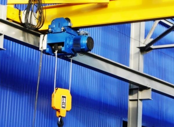 Преимущества современных электрических кранов в строительстве