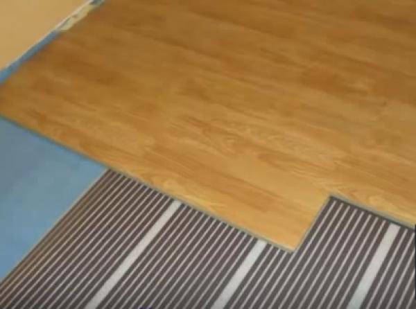 Этапы монтажа системы теплых полов под ламинированные панели