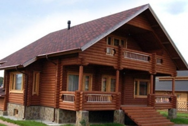 Бревенчатый дом: оптимальный материал и этапы его подготовки