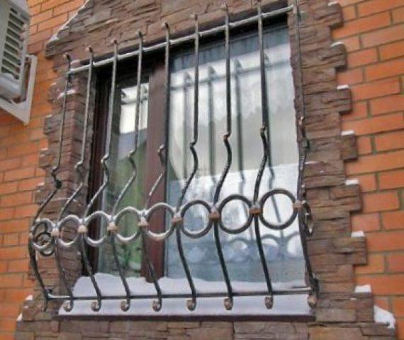 Разновидности оконных решеток и способы их установки
