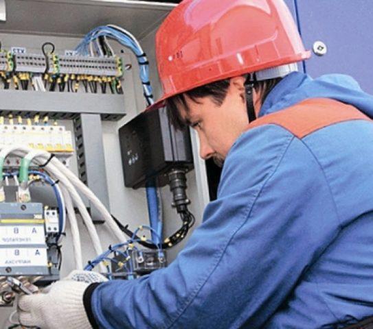 Из чего состоит электрощитовое оборудование и как его установить