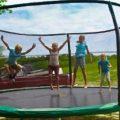 Надувные батуты— отличный вариант для активного детского досуга