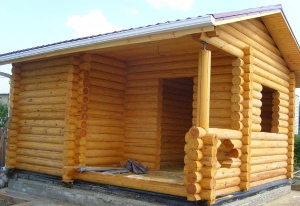 Строительство бани из сруба, выбор и подготовка материала