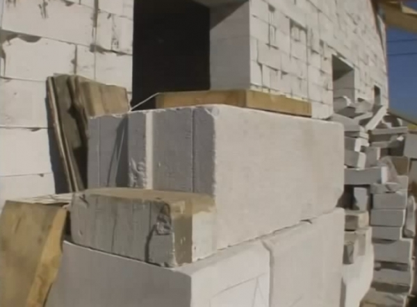 Выбор материала для строительства стен дома