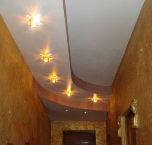 Делаем потолок в коридоре своими силами