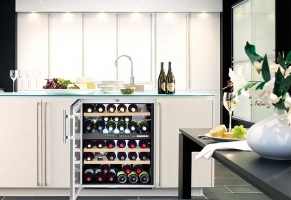 Особенности выбора винного шкафа