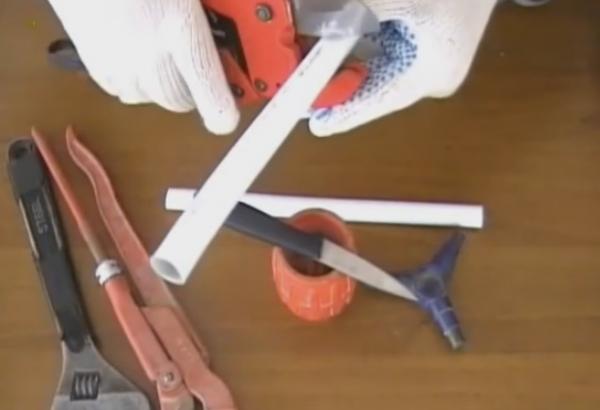 Монтаж системы отопления с помощью металлопластиковых труб