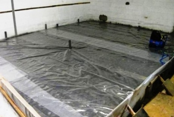 Как ухаживать за бетоном после заливки?