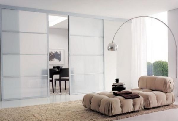 Стеклянная дверь: преимущества и особенности выбора