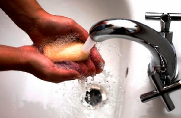 Чем отмыть монтажную пену с рук после работы с ней