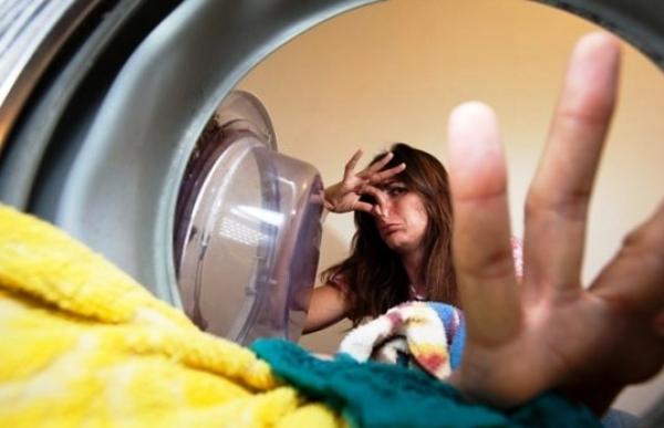 Запах из стиральной машины автомат, как от него избавиться?