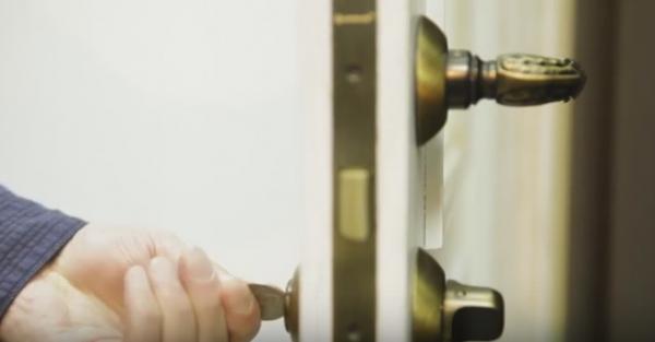 Выбор и установка дверных ручек