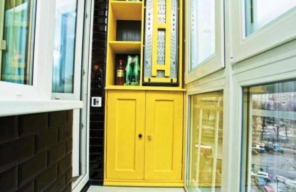 Многофункциональный шкаф на балконе – теперь просто