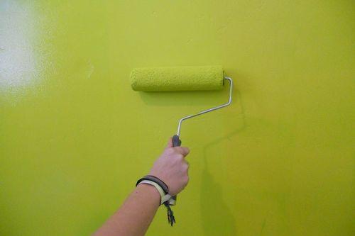 Чем отличается акриловая краска от масляной: можно ли красить