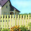 Забор из досок, плетенка. Поликарбонат и решетка для забора, фото