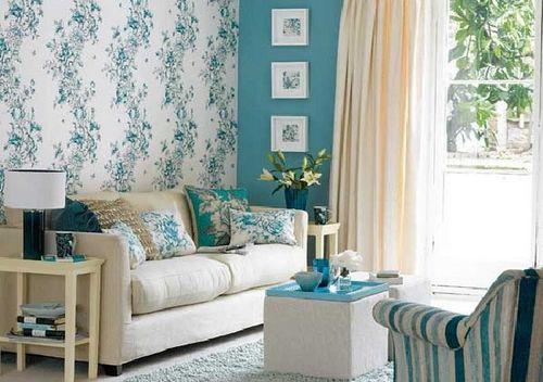 Голубые обои в интерьере: какие подобрать шторы, потолок