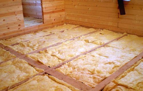 Какой утеплитель лучше для пола в деревянном доме?