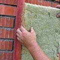 Сохраняем тепло внутри дома при помощи утепления стен минеральной ватой