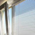 Крепление жалюзи на окна: особенности процесса