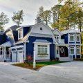 Цвета для покраски дома: видео-инструкция как покрасить
