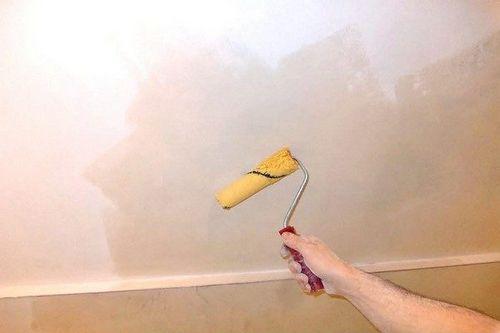 Багеты для потолка: фото, видео, как клеить плинтуса на потолок