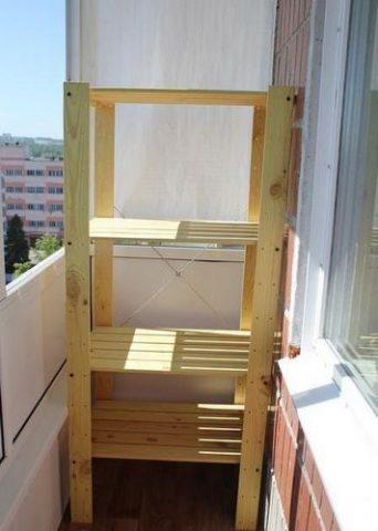 Стеллаж для балкона: как сделать своими руками из дерева