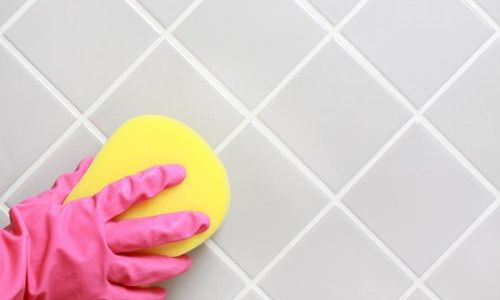 Чем отмыть плитку после ремонта: несколько важных советов