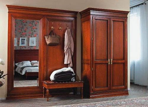 Мебель для прихожей из массива дерева: сосна и дуб, фото из береза