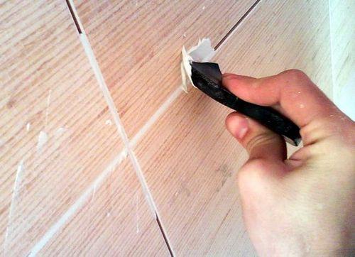 Как заделать сколы на плитке
