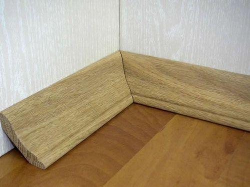 Как крепить деревянные плинтусы