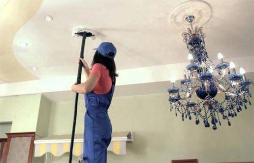 Чем и как мыть матовые натяжные потолки?