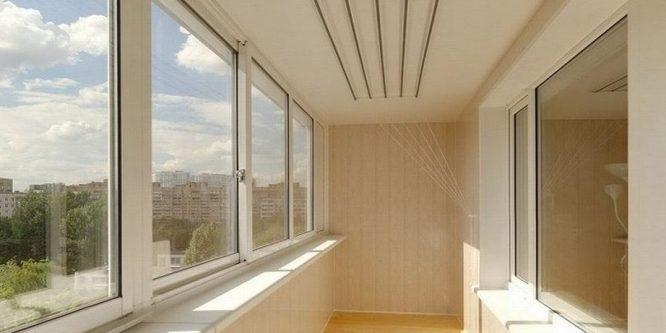 Остекление балконов пвх-окнами: разница между холодным и теплым вариантами