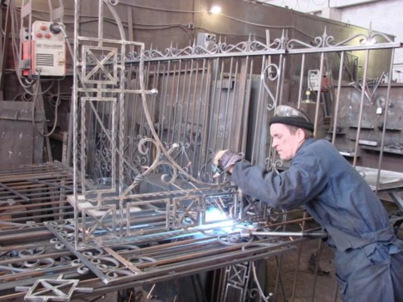 Сварка стальных решеток, безопасность процесса, подбор электродов